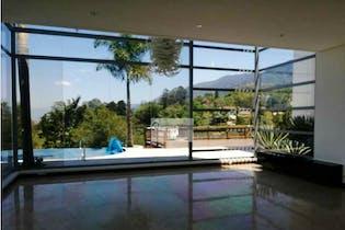 Casa en venta en Loma del Escobero con Terraza