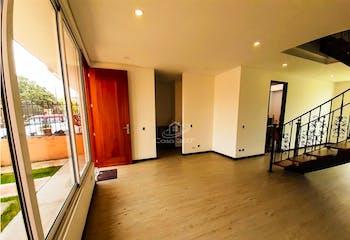 Casa en venta en Casco Urbano Cota de 3 niveles.