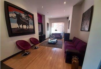 Apartamento en venta en Barrio La Carolina de 3 hab. con Bbq...
