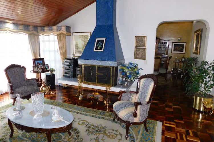 Portada Casa en venta en Niza Norte de 396mts2, tres alcobas