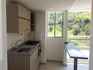 Una cocina con un fregadero y una estufa en Apartamento en venta en Cañaveralejo, 57mt con balcon.