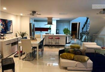 Casa en venta en La Calera, Poblado. con 3 habitaciones-380mt2