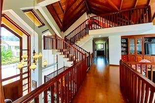 Casa en venta en Hatogrande, Sopó de 980mtrs2 con chimenea