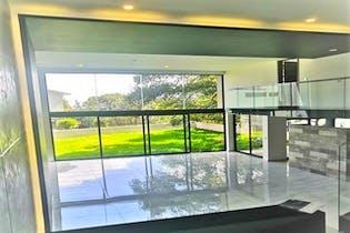 Casa en venta en Condado De Sayavedra con jardín.