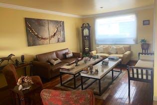 Casa en venta en Paseos Del Bosque de 3 niveles.