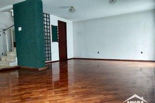 Casa en venta en Unidad Modelo de 228 mts2 de 2 niveles