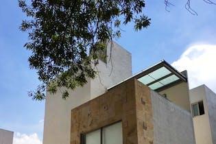 Casa en venta en Lomas Quebradas, de 261mtrs2
