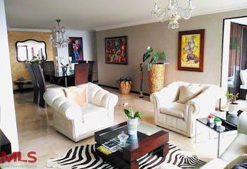 Apartamento en venta en Los Balsos, Medellín de 140mtrs2 con dos balcones