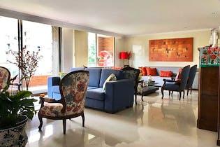 Apartamento en La Colina Campestre ( Club House ) de 193m2 con chimenea y balcón.