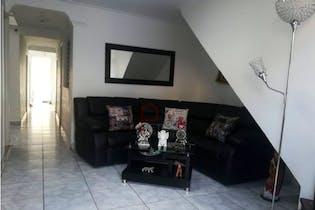 Casa en venta en El Diamante de cinco habitaciones.