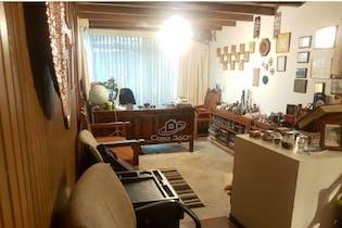 Casa en venta en Barrio Niza de 356 mt2. con 2 niveles.