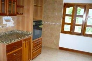 Casa en venta en La Tomatera, Medellín de 350mtrs2 con chimenea