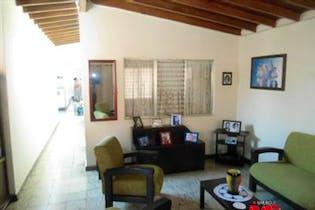Casa en venta en Los Naranjos de cuatro habitaciones.