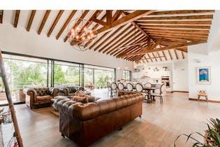 Casa en Venta en Tres Puertas-Rionegro con 3532mt con jacuzzi