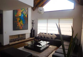 Casa En Venta En Bogota San Jose Bavaria con 455mt, de dos pisos