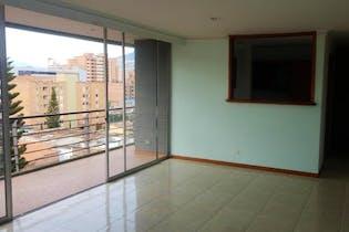 Apartamento en venta en Los Almendros de 4 habitaciones