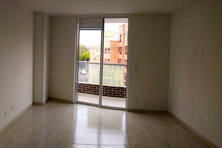 Portada Apartamento en venta en La Floresta de tres habitaciones