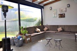 Casa en venta en El Pedegral con terraza propia.