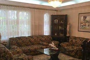 Casa en venta en Los Colores, 400mt dos niveles.