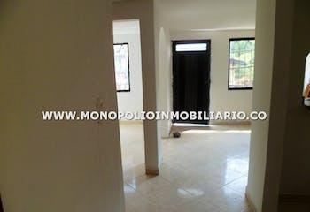 Casa en venta en Francisco Antonio Zea de 220mts2, dos niveles
