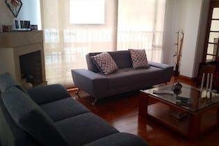Apartamento En Venta En Chicó Navarra de 131 mt2. con balcón.