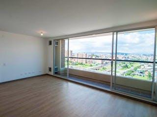 Una vista de una habitación con una puerta corredera de cristal en Apartamento en venta en Bogotá de 77 mts