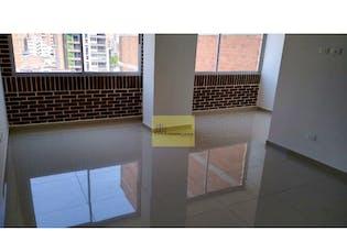 Apartamento en venta en Los Almendros con Balcón...
