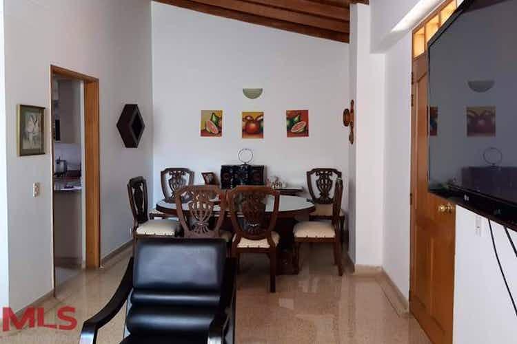 Portada Apartamento en venta en Loma de los Bernal de 111,42,m2,