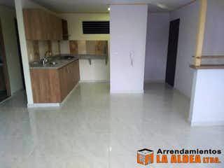 Una cocina con nevera y fregadero en Apartamento Para Venta Santa María, Itagui. Con 2 habitaciones. 85mt2