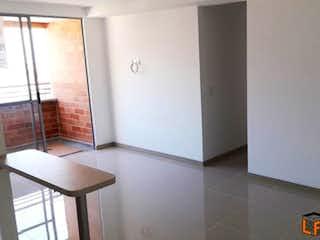 Un cuarto de baño con lavabo y ducha en Apartamento Para Venta en Santa María, Con 3 habitaciones-70mt2