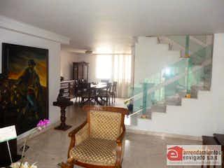 Una sala de estar llena de muebles y una ventana en ED LOS CEREZOS