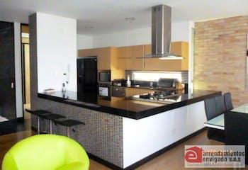Casa en venta en Loma del Atravezado con patio- 322m2.