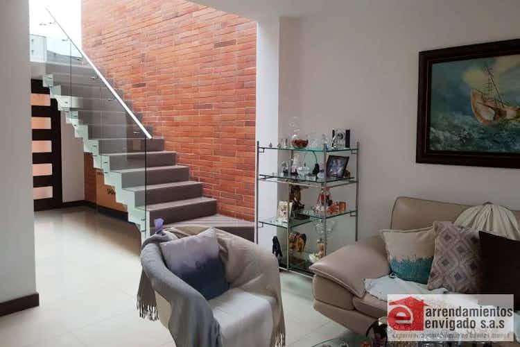 Portada Casa en venta en Loma del Atravezado con 3 Habitaciones.