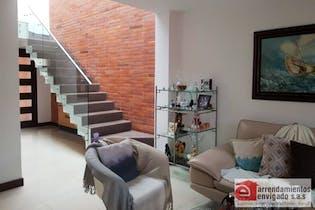 Casa en venta en Loma del Atravezado con 3 Habitaciones.