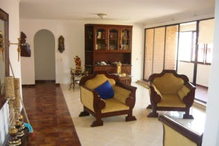 Apartamento en venta en Las Acacias con acceso a Balcón