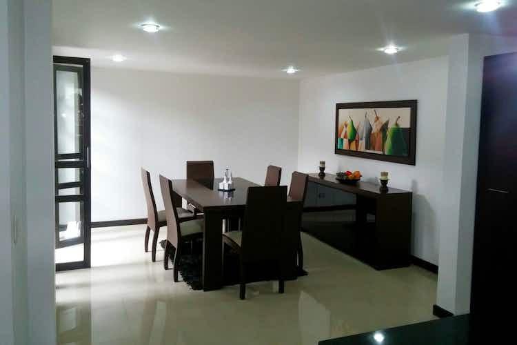 Portada Casa en venta en Loma del Escobero, de 285mtrs2