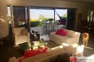 Casa en venta en Loma del Atravezado de 2240mtrs2 con chimenea