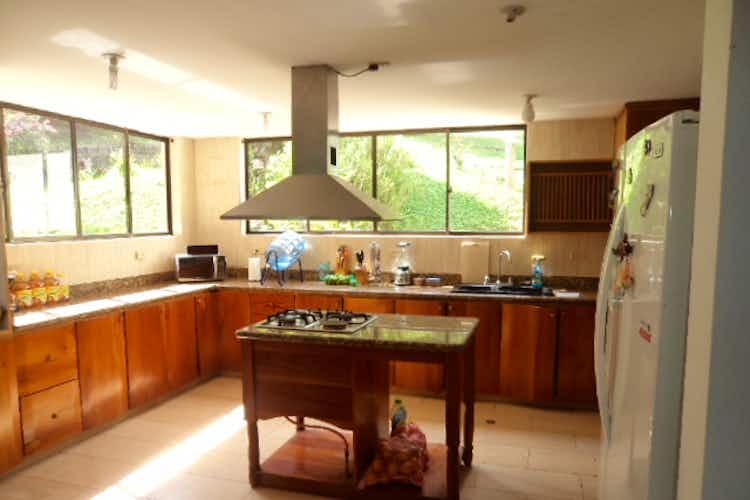 Portada Finca en venta en Loma del Atravezado con 3 habitaciones- 3900m2.