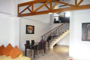 Apartamento en venta en Mesa de 4 hab. con Balcón...