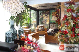 Apartamento en venta en Loma Del Escobero de 4 hab. con Piscina...