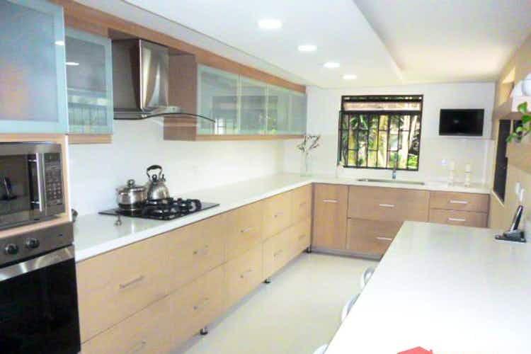 Portada Casa en venta en Alcalá 4 Habitaciones- 140m2.