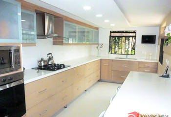 Casa en venta en Alcala de 4 habitaciones