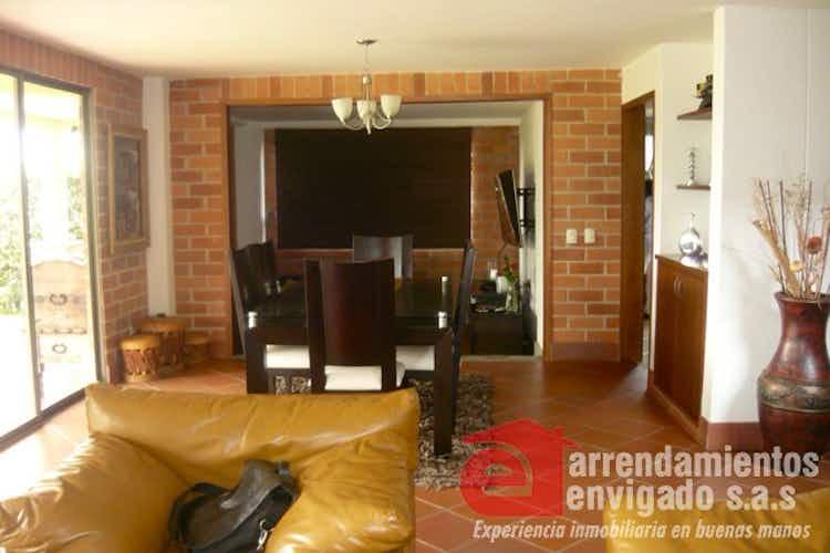 Portada Casa en venta en Sabaneta de 350 mts2 Duplex