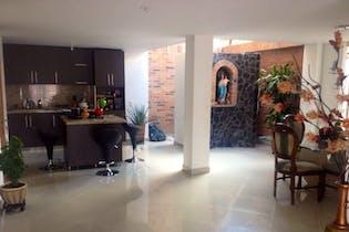 Casa en venta en Las Lomitas de 270m² con Piscina...