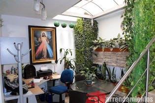 Casa Para Venta Las Lomitas de 470mt2 con balcón.
