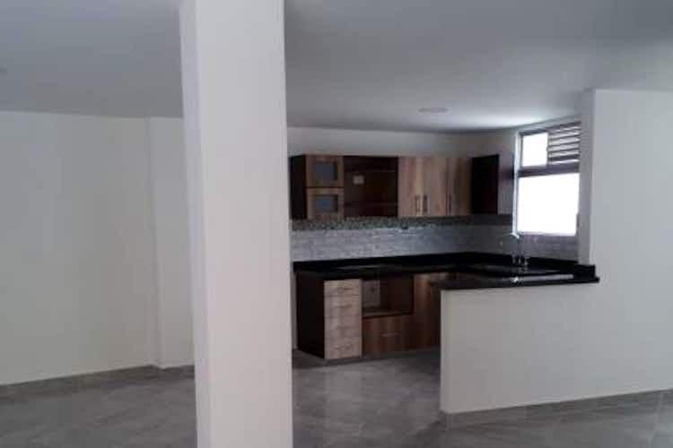 Portada Apartamento en venta en Loma del Escobero de 5 habitaciones