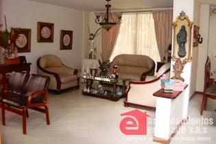 Casa en venta en El Esmeraldal de cuatro habitaciones