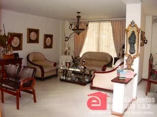 Una sala de estar llena de muebles y decoración en QUEBRADA CLARA