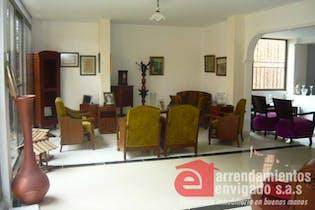 Casa en venta en Las Lomitas con 3 habitaciones.