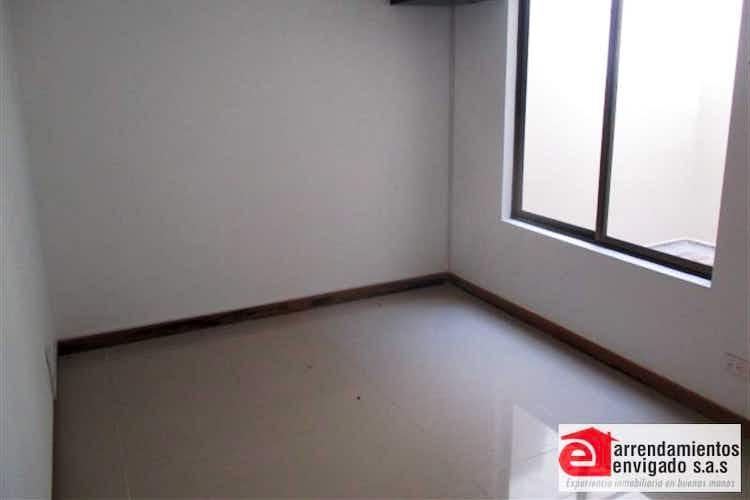 Portada Casa en venta en Toledo-La Estrella con 2 niveles.